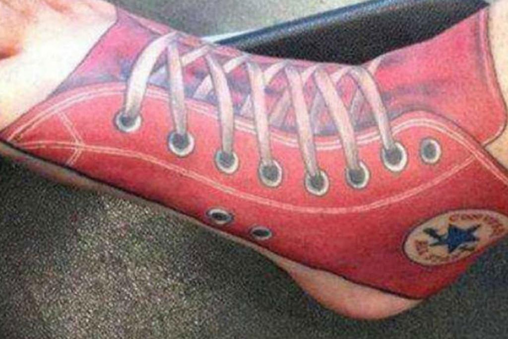 converse-feet